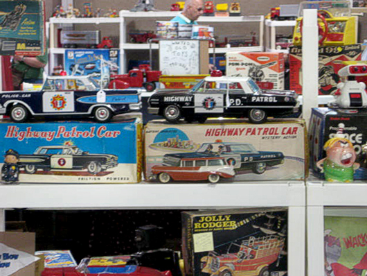 Antique Toys | Vintage Toys | Collectible Toys - AntiqueToys.com